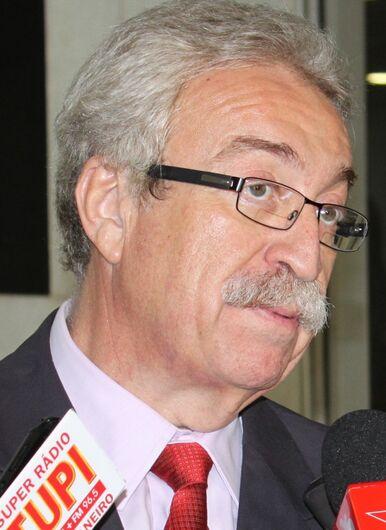 """Ex-prefeitos Newton e Barba celebram derrota da """"MP da privatização da água"""" - Crédito: Divulgação"""