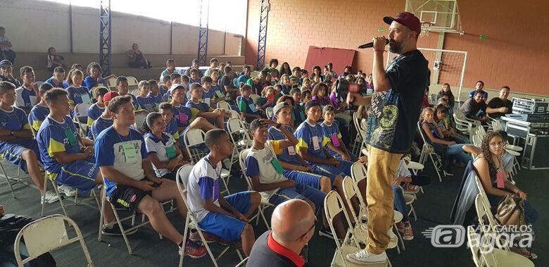 Crianças e adolescentes falam sobre políticas públicas em pré-conferência - Crédito: Divulgação