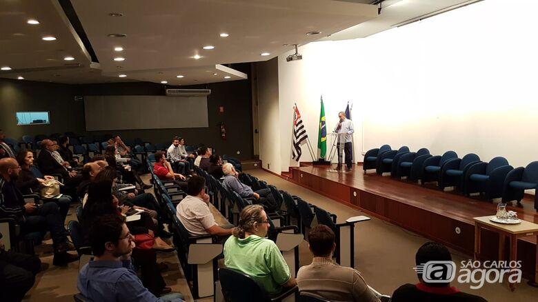 Funcionários do Saae tem aula sobre gestão de perdas de água - Crédito: Divulgação