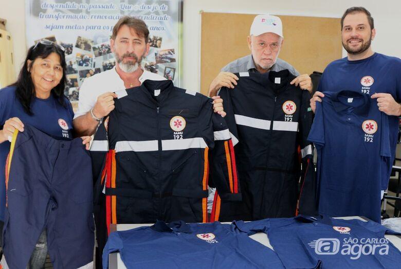 Equipes do Samu recebem novos uniformes - Crédito: Divulgação
