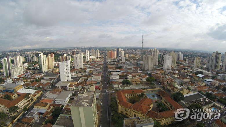 Cronista do SCA publica texto em homenagem a São Carlos - Crédito: OWL Drones