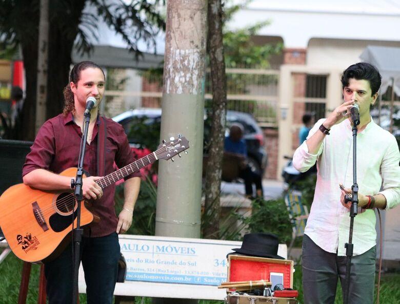 David Tanganelli e Manoel Camargo fazem show de 4 novembro na Praça XV - Crédito: Divulgação