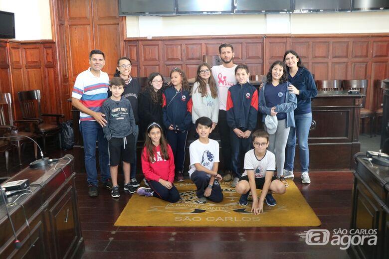 Alunos tem aula de cidadania na Câmara Municipal - Crédito: Divulgação