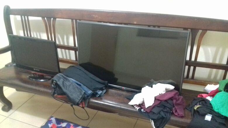 Adolescente é flagrado pela vítima durante furto em residência - Crédito: Marco Lúcio/ divulgação