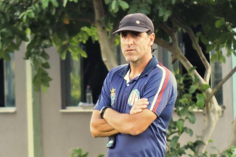 Para treinador, atividades de final de ano foram proveitosas para o Grêmio Sãocarlense - Crédito: Gustavo Curvelo/Divulgação