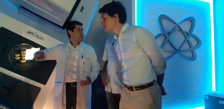Santa Casa recebe o gerente do Shopping Iguatemi São Carlos para visita de cortesia - Crédito: Divulgação