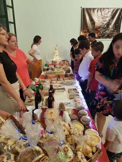 Feira Natalina agita o domingo em São Carlos - Crédito: Leia Ivo