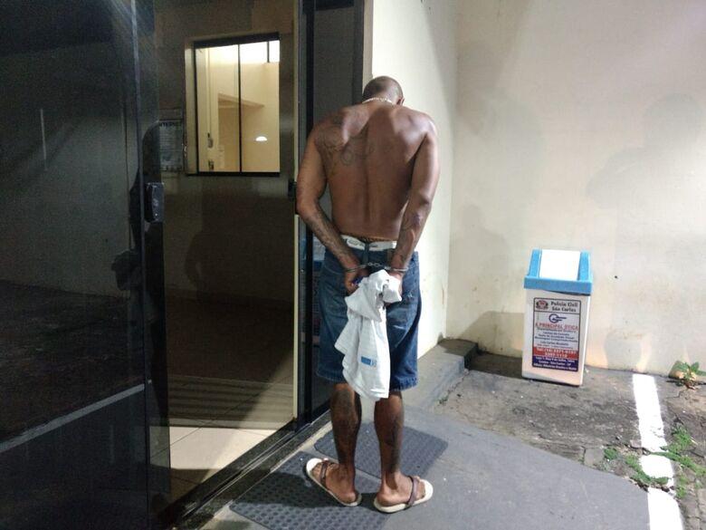 Desocupado é detido com cocaína, crack e maconha na Vila Jacobucci - Crédito: Luciano Lopes