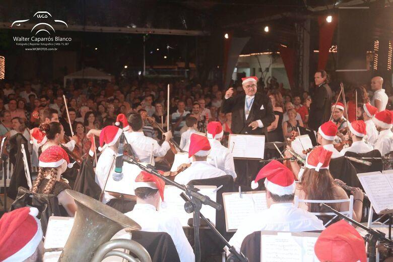 Orquestra Jazz Sinfônica e maestro Agenor Ribeiro Netto encantam público no São Carlos Clube - Crédito: Walter Caparros Blanco