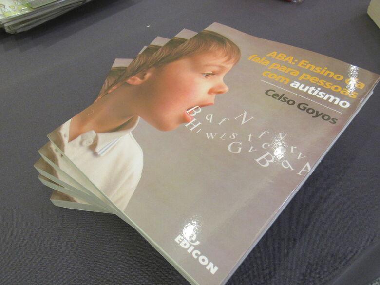 Professor da UFSCar lança livro que aborda a fala em pessoas com autismo - Crédito: Divulgação