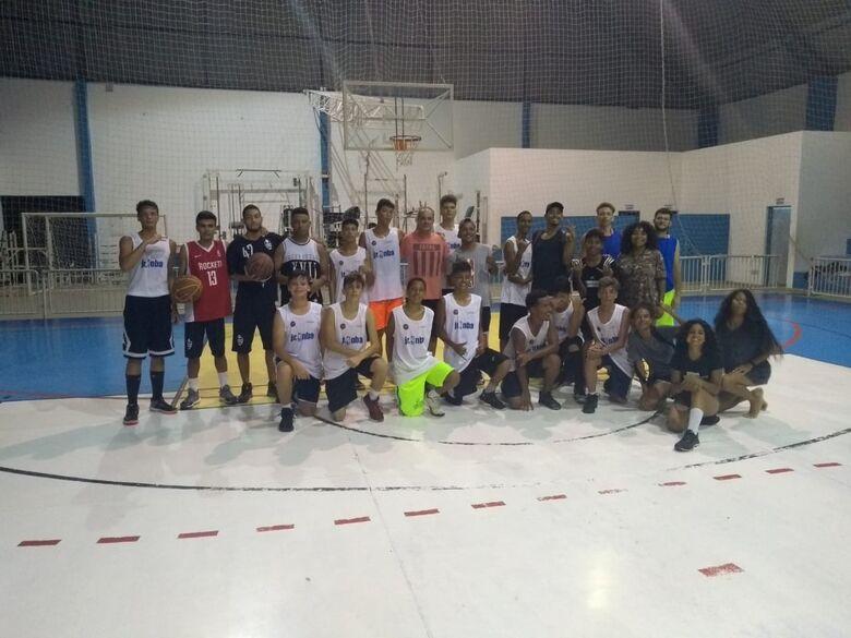 Caraguatatuba recebe são-carlenses para 'camp' de basquete - Crédito: Divulgação