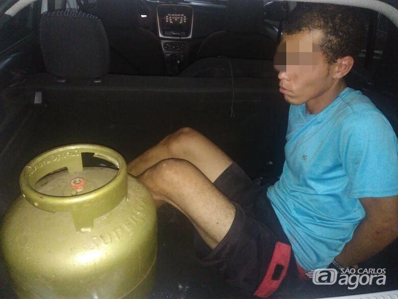 Desocupado é detido com botijão de gás na Vila Pureza - Crédito: Divulgação