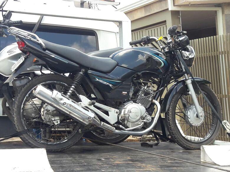 Moto furtada em junho é apreendida com adolescente de 15 anos - Crédito: Maycon Maximino