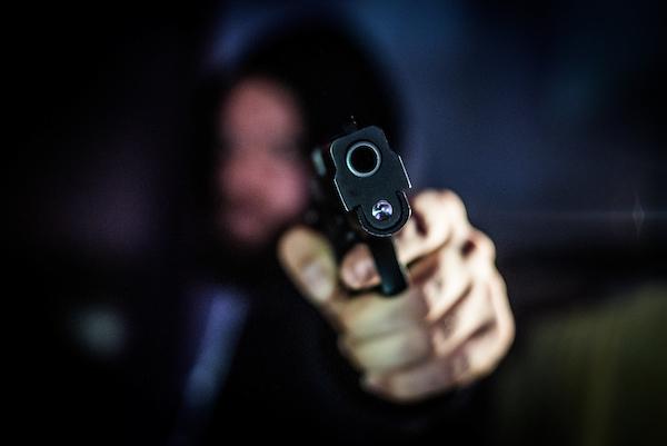 Dupla amarra vendedor e assalta depósito de bebidas no Centro - Crédito: Imagem Ilustrativa