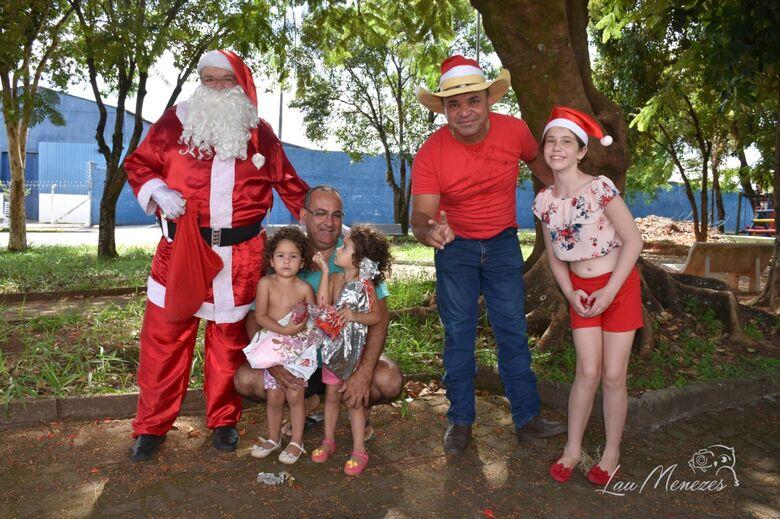 Durante carreata, Supera leva a magia do Natal para 400 crianças de São Carlos - Crédito: Lau Menezes