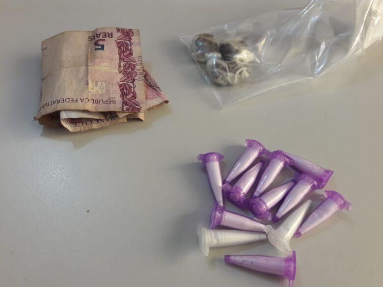 Irmãos são flagradas com drogas no Santa Angelina - Crédito: Maycon Maximino