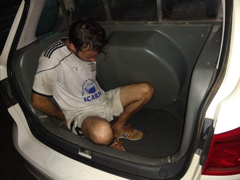 Suspeito de praticar sequestros relâmpagos é preso pela PM - Crédito: Luciano Lopes