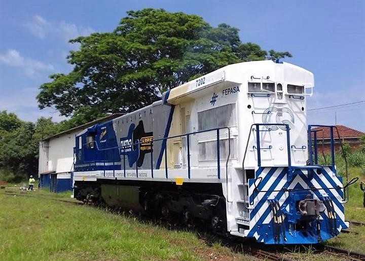 Locomotiva recuperada e iluminada passará por Ibaté - Crédito: Divulgação