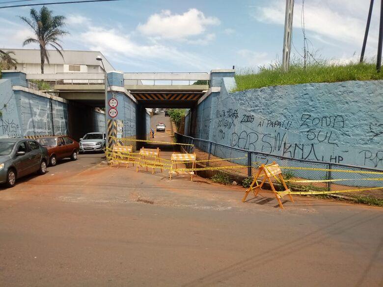 Obras no muro do pontilhão da Travessa 8 começam no início de janeiro -