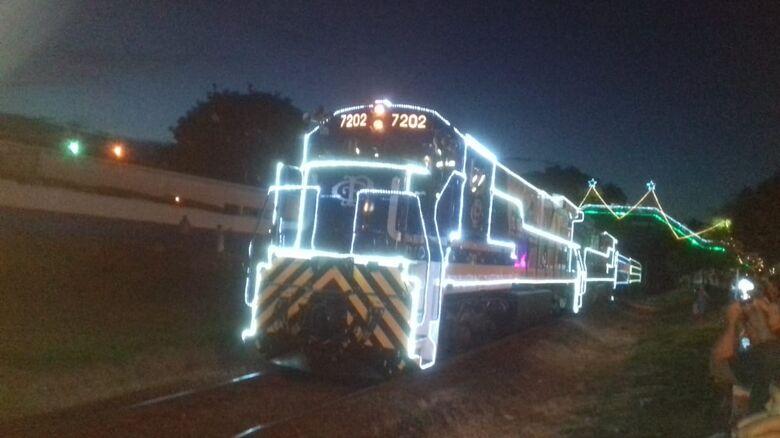 Trem iluminado passa hoje por Ibaté e chega a São Carlos - Crédito: Divulgação