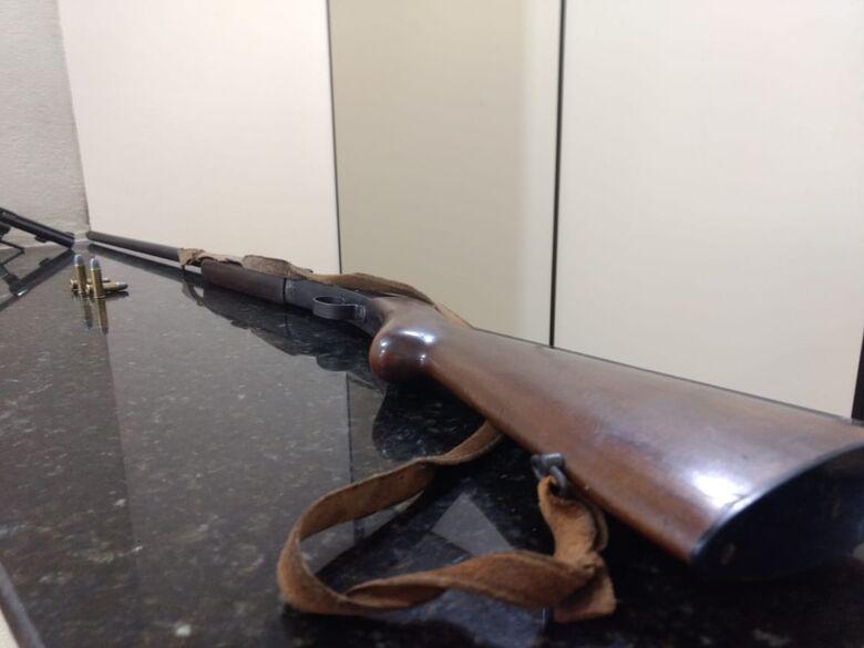 Cantor sertanejo é preso por porte ilegal de arma - Crédito: Luciano Lopes