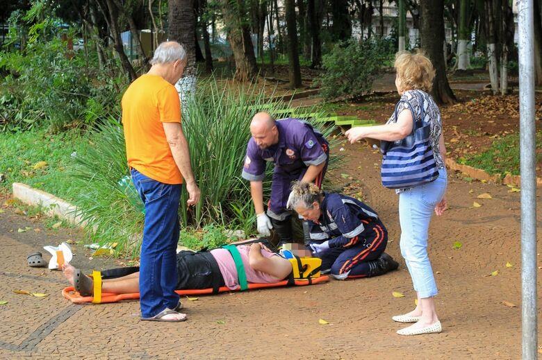 Homem é atropelado por caminhonete no Centro - Crédito: Marco Lúcio