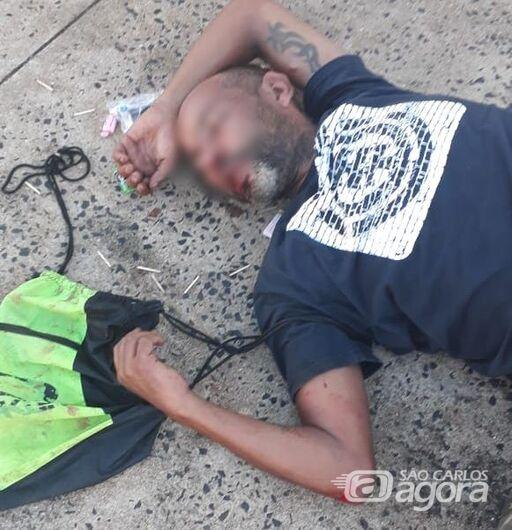 Acusado de furtar celular, homem apanha até desmaiar - Crédito: Luciano Lopes