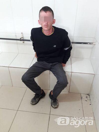 Ladrão desastrado deixa TV cair, acorda comerciante e é preso em flagrante - Crédito: Maycon Maximino
