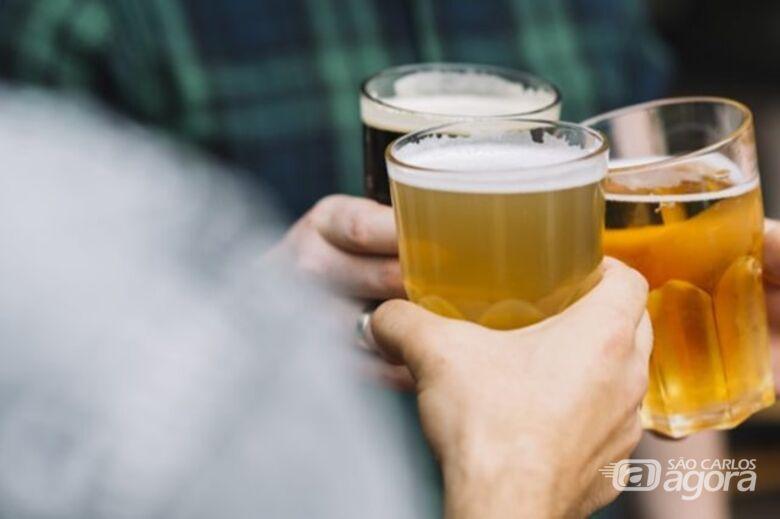Doria proíbe consumo de bebida alcoólica em postos de gasolina - Crédito: Freepik