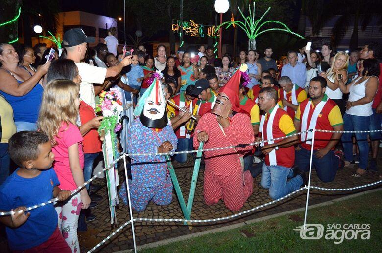 """""""Natal de Luzes e Sons Ibaté 2018"""" atrai turistas de diversas cidades da região e do Estado - Crédito: Divulgação"""