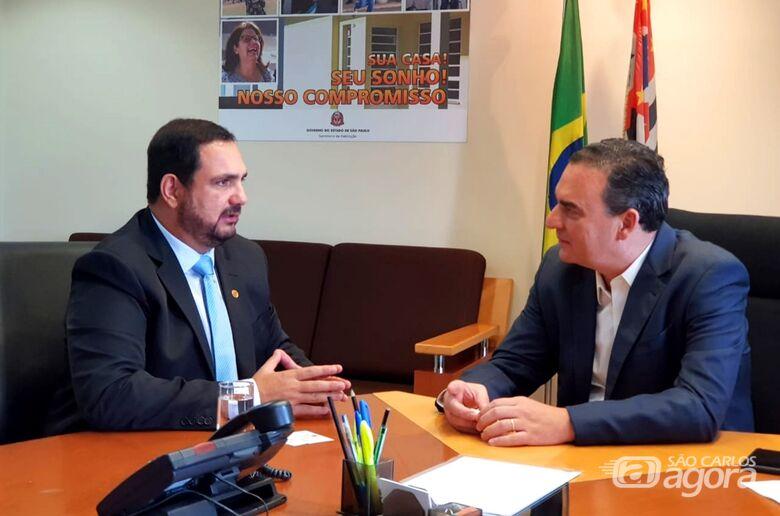 Secretário da Habitação ouve demandas da região apresentadas pelo deputado Julio Cesar - Crédito: Divulgação
