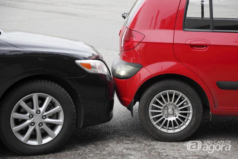 Aquele que colide contra a traseira de outro veículo é culpado? - Crédito: Divulgação