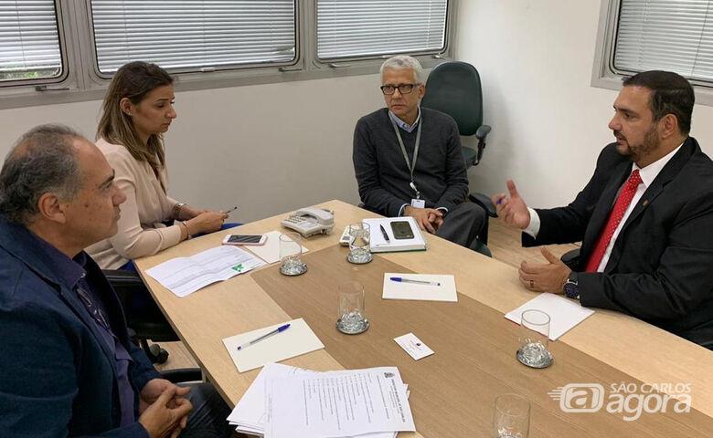 Julio Cesar participa de reunião na Desenvolve SP com secretário municipal de São Carlos - Crédito: Divulgação