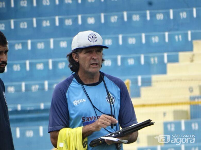 Carlinhos Alves prevê muitas dificuldades na Águia, mas tem fé na recuperação - Crédito: Marcos Escrivani