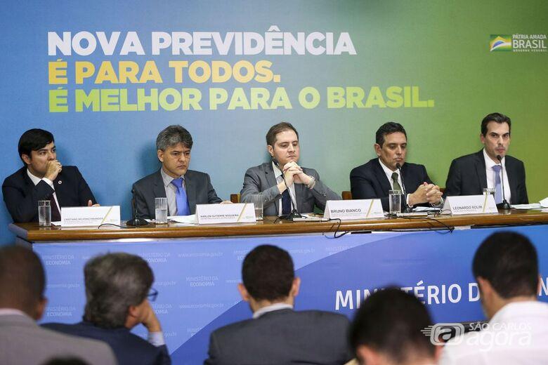 Trabalhador contribuirá 40 anos para aposentar-se com 100% do salário - Crédito: Agência Brasil