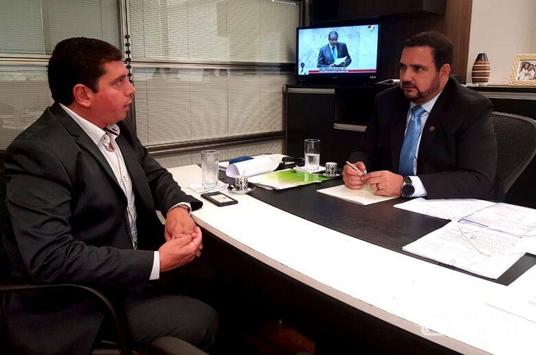 Chefe da Habitação de Porto Ferreira se reúne com deputado estadual Julio Cesar - Crédito: Divulgação