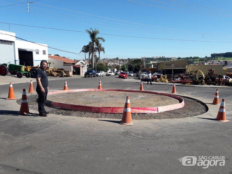 Malabim tem solicitação atendida e rotatória é instalada na Avenida Gregório Aversa - Crédito: Divulgação