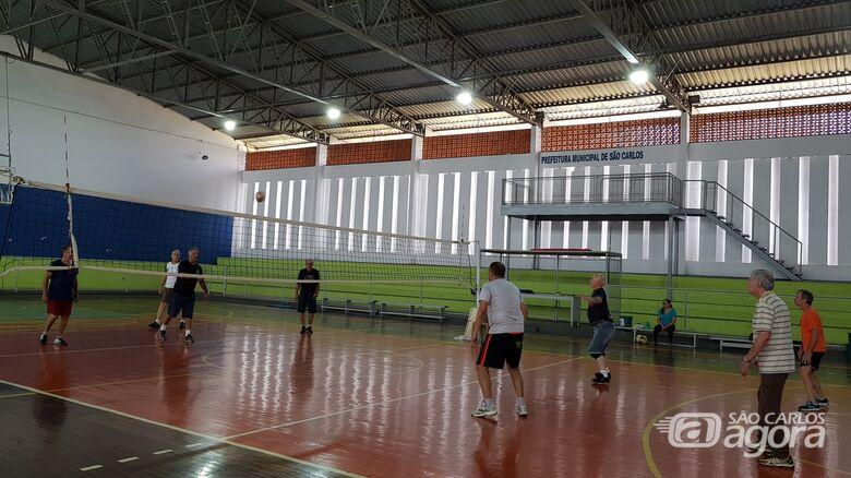 Esportes oferece vagas para aulas de vôlei adaptado -