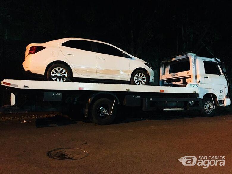 Carro roubado é localizado em chácara - Crédito: Marco Lúcio