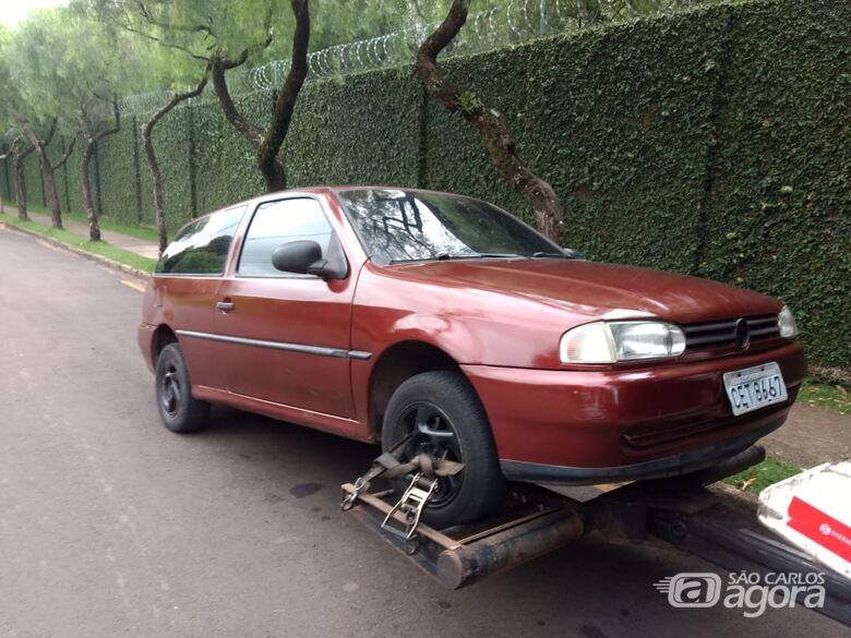 Adolescente é flagrado dirigindo carro suspeito - Crédito: Luciano Lopes