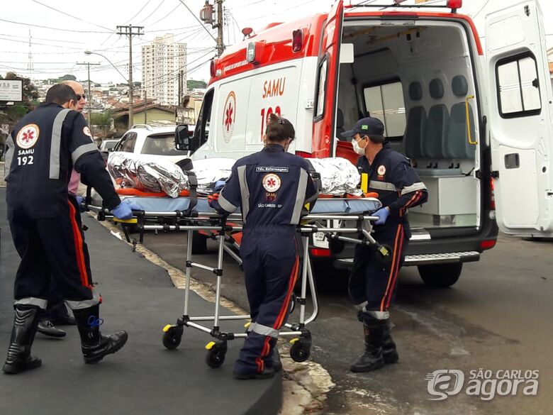 Motociclista sofre fratura no punho após colisão na Vila Nery - Crédito: São Carlos Agora