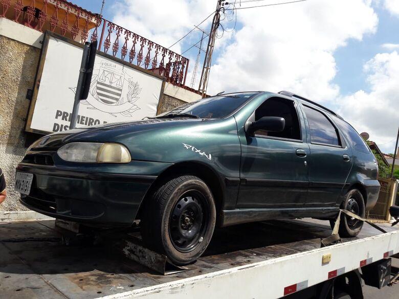 """Após fuga """"alucinante"""", motorista sem habilitação é detido pela ROCAM - Crédito: São Carlos Agora"""