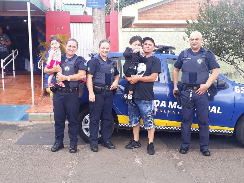Noah recebe guardas municipais para a sua festa de 3 anos - Crédito: Divulgação