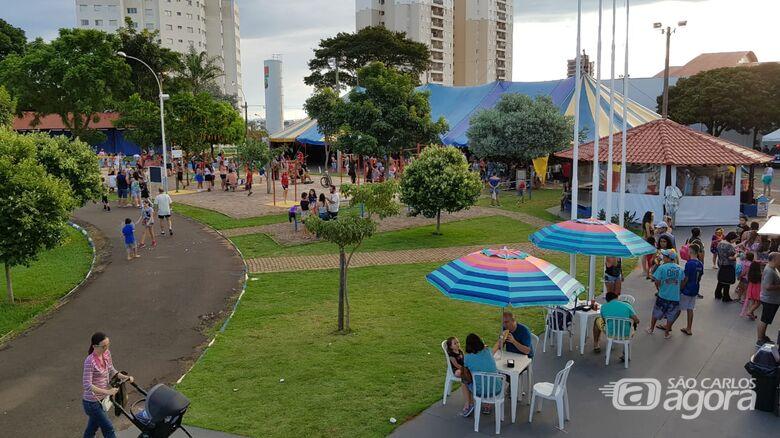 Famílias se reúnem na Fesc para curtir a folia - Crédito: Divulgação