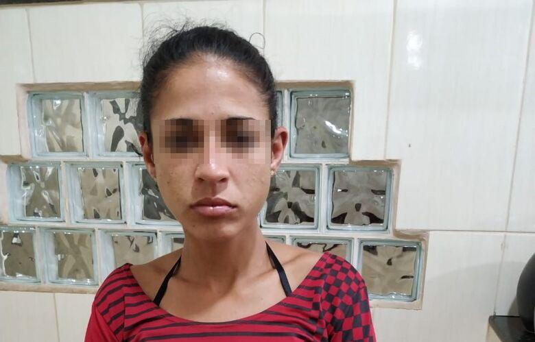 Procurada por furto é presa no Cidade Aracy - Crédito: Divulgação/PM