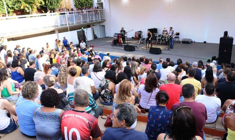Domingo tem Circuito Arena no Bicão com a Banda Babilônia - Crédito: Divulgação