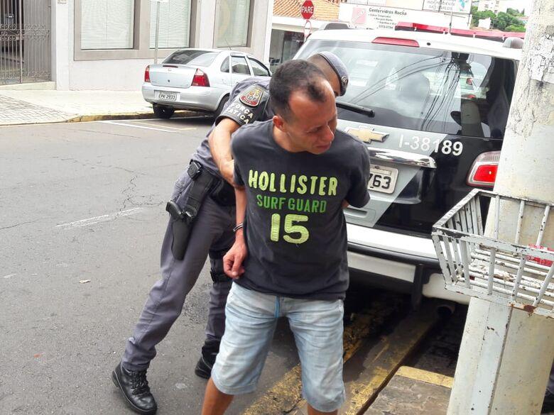 """Beneficiado por """"saidinha da Páscoa"""", ladrão pratica furto dentro de ônibus - Crédito: São Carlos Agora"""