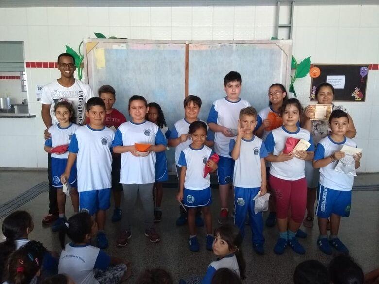 """Escola Municipal de Ibaté premia alunos do projeto """"Aluno Nota 10"""" - Crédito: Divulgação"""