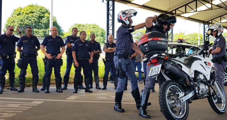 Guardas municipais treinam com PM - Crédito: Divulgação