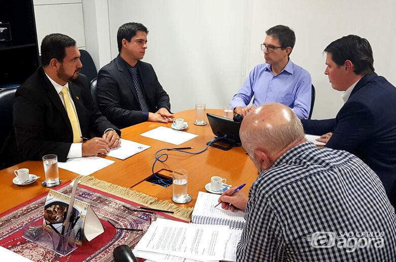 Julio Cesar oficializa pedido de marginais e modernização dos trevos da rodovia Washington Luís - Crédito: Divulgação